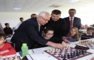 Karabağlar'da Satranç Keyfi