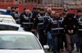Karabük'te FETÖ Şüphelisi 12 Kişi Adliyede