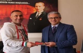 Karşıyaka'ya Belediyeden Bilet Desteği