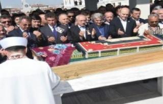 Cenaze Namazına Katıldı