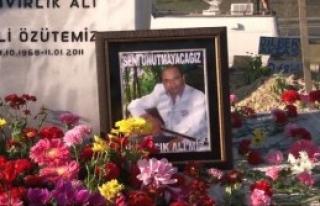 Kıvırcık Ali Gözyaşlarıyla Anıldı