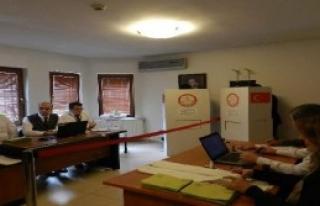 Kosova'daki Türkler Sandık Başında