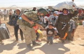 Mehmetçik Suriyelilerin Yardımına Koştu