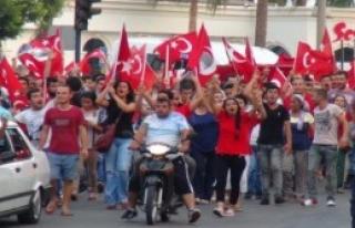 Mersin'de Teröre Tepki Yürüyüşü