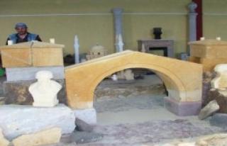 Ağırnas'ta Taş Restoratörü Kursu