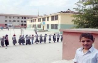 Okulun Çatısında Onarıma Tepki
