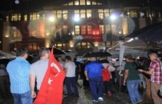Ordu'da Yağmur Altında Demokrasi Nöbeti