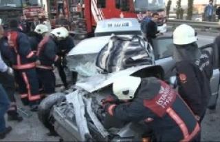 İstanbul'da Feci Kaza: 2 Ölü 3 Yaralı