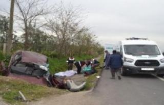 Otomobil Su Tahliye Kanalına Düştü: 1'i Bebek...