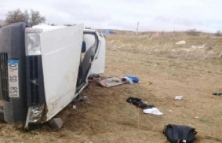 Otomobil Tarlaya Uçtu: 1 Ölü, 6 Yaralı