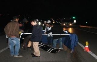 Otomobil Yayaya Çarptı: 1 Ölü, 1 Yaralı