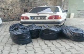 Otomobildeki 61 Kilo Esrara 2 Gözaltı