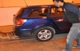 Otomobilin Bagajından 9 Kilo Eroin Çıktı