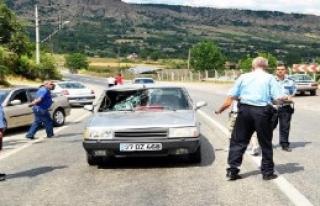 Otomobilin Çarptığı Emekli İmam Yaralandı