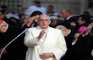 Papa'ya Şark Halısı!
