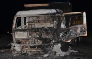 PKK Tendürek Dağı'nda 3 Araç Yaktı