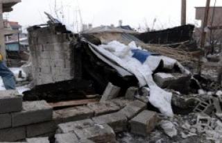 PKK'dan Polis Aracına Bombalı Saldırı