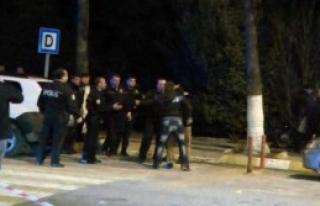 Polise Bıçakla Saldırdılar