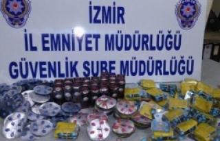 İzmir'de Kaçak İlaç Operasyonu