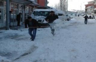 30 Köy Yolu Kardan Kapandı