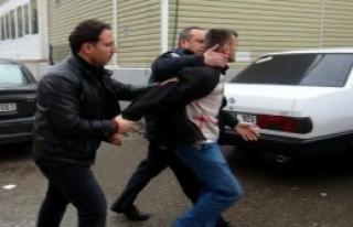 Polisin Elinden Kaçtı