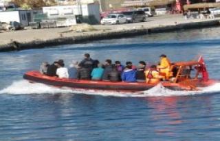 Sahil Güvenlik Ayvacık'ta 456 Kaçak Yakaladı