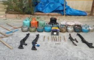 PKK'nın Patlayıcıları Ele Geçirildi