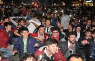 Sivas'ta Beşiktaş'ın Şampiyonluğunu Kutlandı
