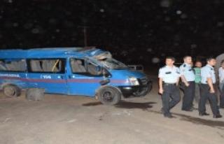 Siverek'te Kaza: 5'i Asker, 12 Yaralı
