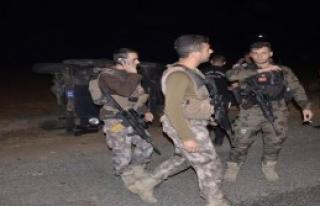 Siverek'te Zırhlı Araç Devrildi: 2 Polis Yaralı