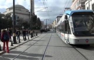 Tramvay İstasyonu'nda Panik!