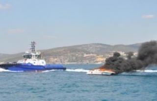 Sürat Teknesi Yandı