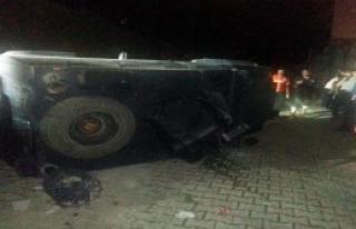 Polis Aracı Kontrolden Çıkıp Devrildi