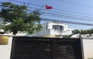 Tayland'da Vatandaşlar Sandık Başındaydı