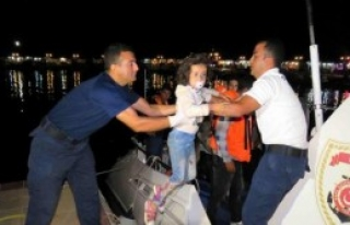 Tekne Arazılanınca 23 Suriyeli Kaçak Yakalandı