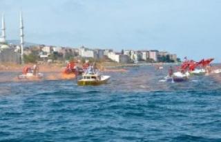 Trabzon'da Balıkçıların Teröre Tepki Eylemi
