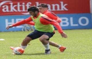 Trabzonspor Gençlerle Hazırlanıyor