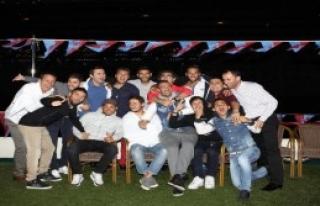 Trabzonsporlu Futbolcular Yat Turuyla Stres Attı