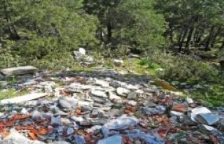 Turizm Cenneti Marmaris'te Moloz Kirliliği