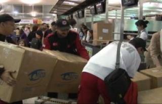 Filipinler'e Yardım Eli