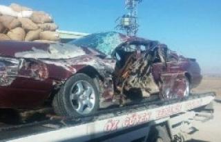 Kamyon İle Otomobil Çarpıştı: 1 Ölü