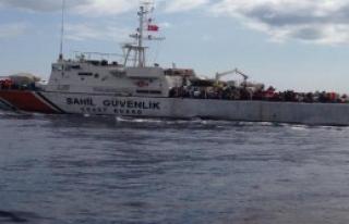Üç Günde 1451 Mülteci Denizde Yakalandı
