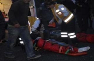 Uçuruma Yuvarlanıp Ağır Yaralandı