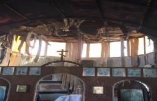 Ukrayna'da Kilise Kundaklandı