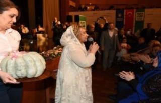 Bedia Akartürk'e Konserde Kabak Sürprizi