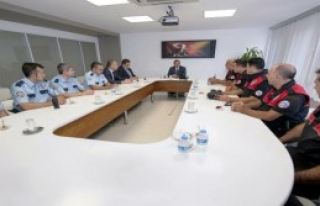Uzunkaya'dan Başarılı Polislere Kutlama