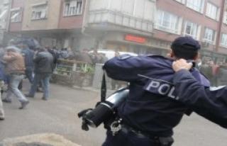 Amirden Polise: 'Sık la Sık'