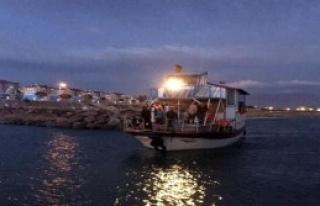 Dalgaya Kapılan Teknedekileri Jandarma Kurtardı
