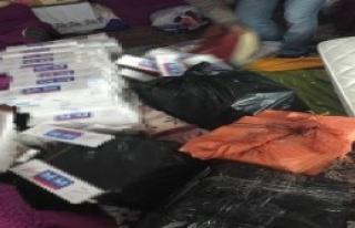 Van'da Gümrük Kaçağı 12 Bin 700 Paket Sigara...