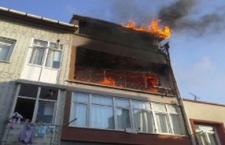 Yedikule'de Apartmanda Yangın Paniği